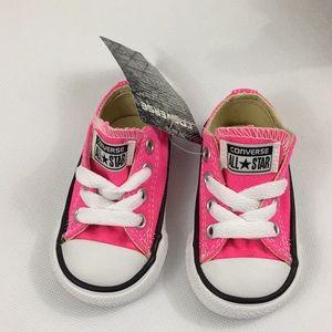 NIB Infant Sz. 2 pink converse
